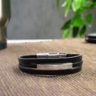 gewickeltes Armband aus echtem Leder mit graviertem Edelstahlelement
