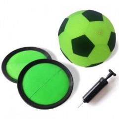 Kinder-Torwandschießen mit dem Fußball-Set für Drinnen