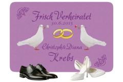 Fußmatte für frisch Verheiratete mit Tauben und Ringen