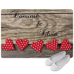 personalisierte Fußmatte mit Namen und Herzenmotiv