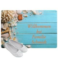 sommerliche Fußmatte mit Muschelmotiv
