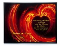 Liebeserklärung in einem Bild mit einem Herz aus Feuer