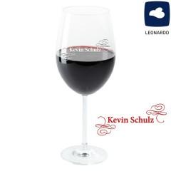verziertes Weinglas mit graviertem Namen