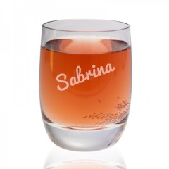 hochwertiges Glas mit individueller Namensgravur